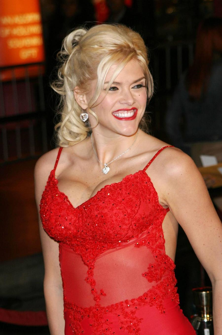 Anna Nicole Smith's Ex Convinced She Died Of A Broken Heart
