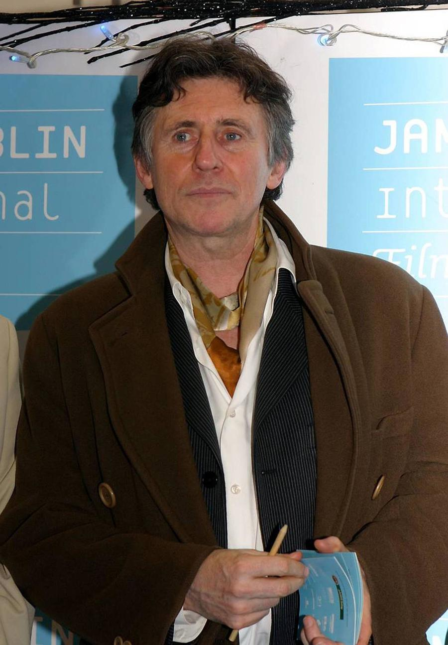 Gabriel Byrne Urges Irish Politicians To Ban Hare Coursing