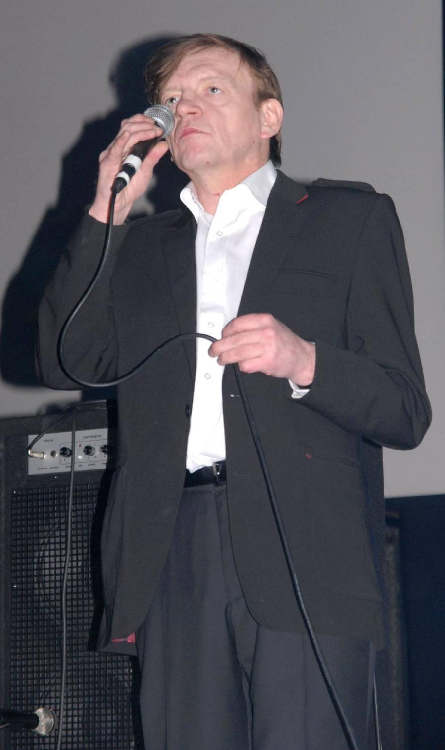 Bbc Bosses Apologise For Wrongly Announcing Mark E. Smith's Death
