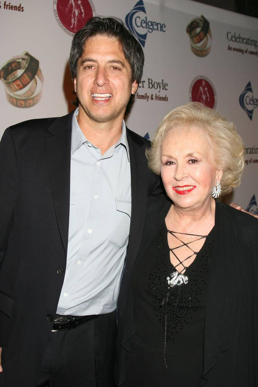Ray Romano To Lead Memorial Tribute To Doris Roberts