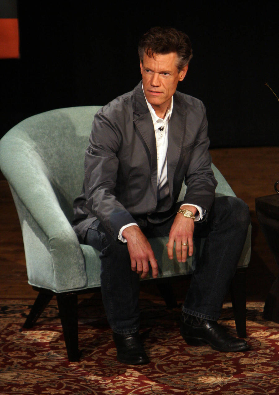 Randy Travis Stuns Fans With Amazing Grace Performance At Tribute Show