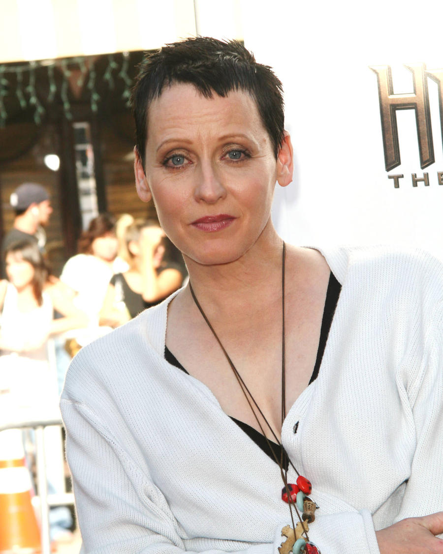 Lori Petty Reaches Out To Selma Blair After Public Bad Behaviour