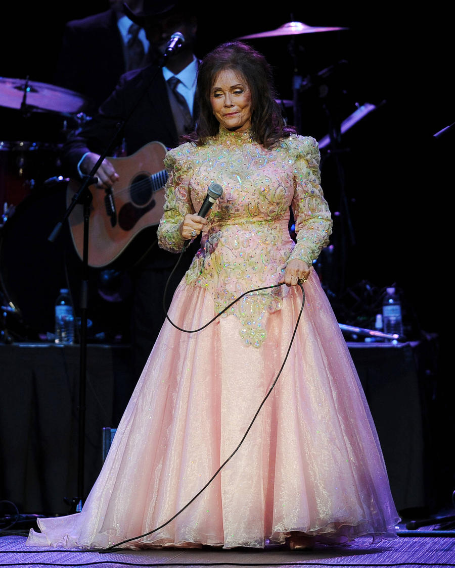 Loretta Lynn Cancels Concerts To Recover From Surgery