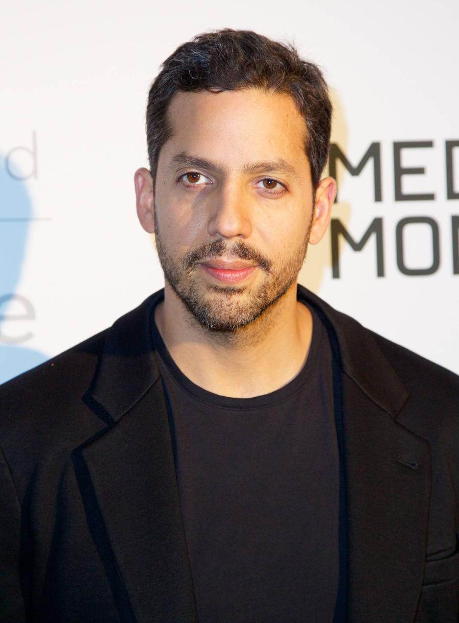 David Blaine Makes Rihanna Gig Magical For Stars