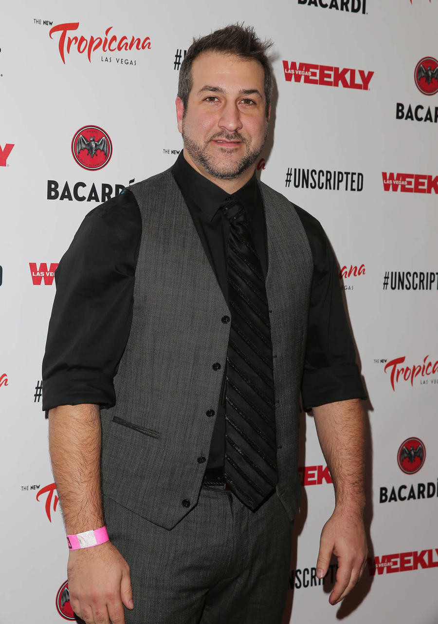 Joey Fatone Turns Wedding Officiant For Tv Nuptials