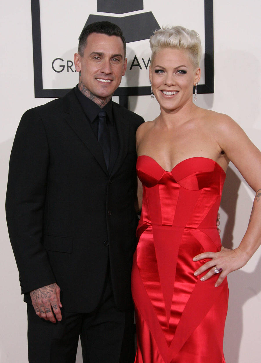 Pregnant Pink Laughs Off Marriage Split Gossip