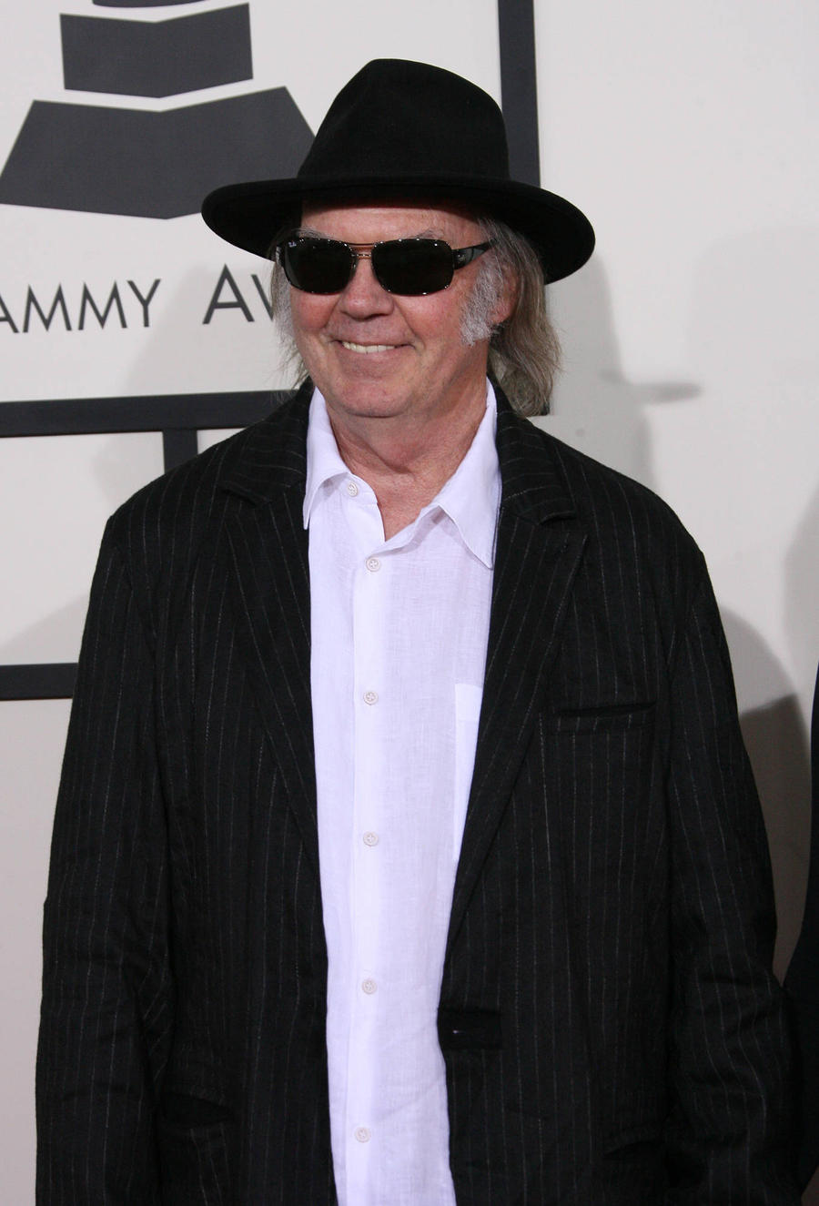 Neil Young Pens Letter Of Support To Pipeline Protesters