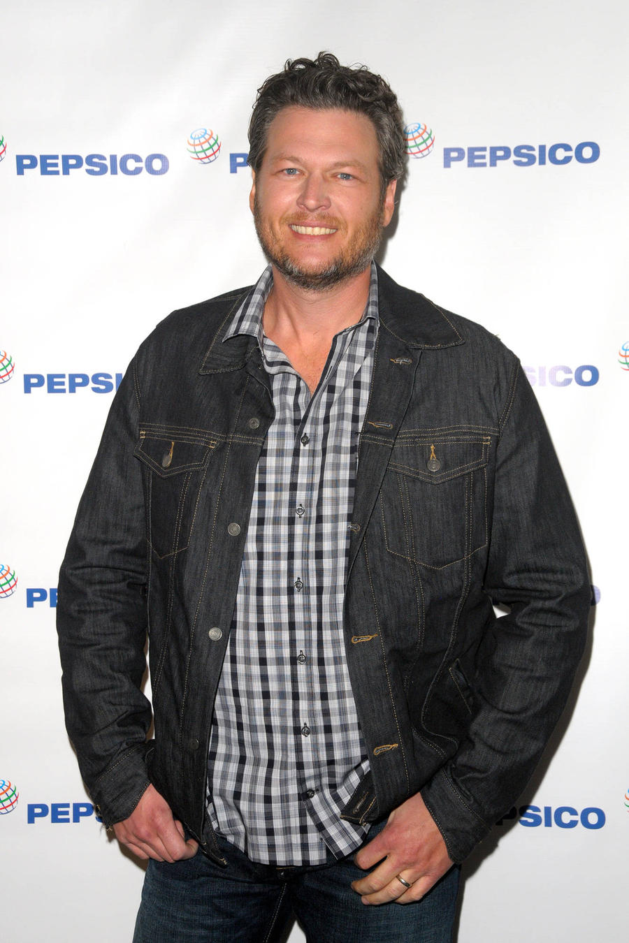Judge Preparing To Allow Blake Shelton To Proceed With Lawsuit