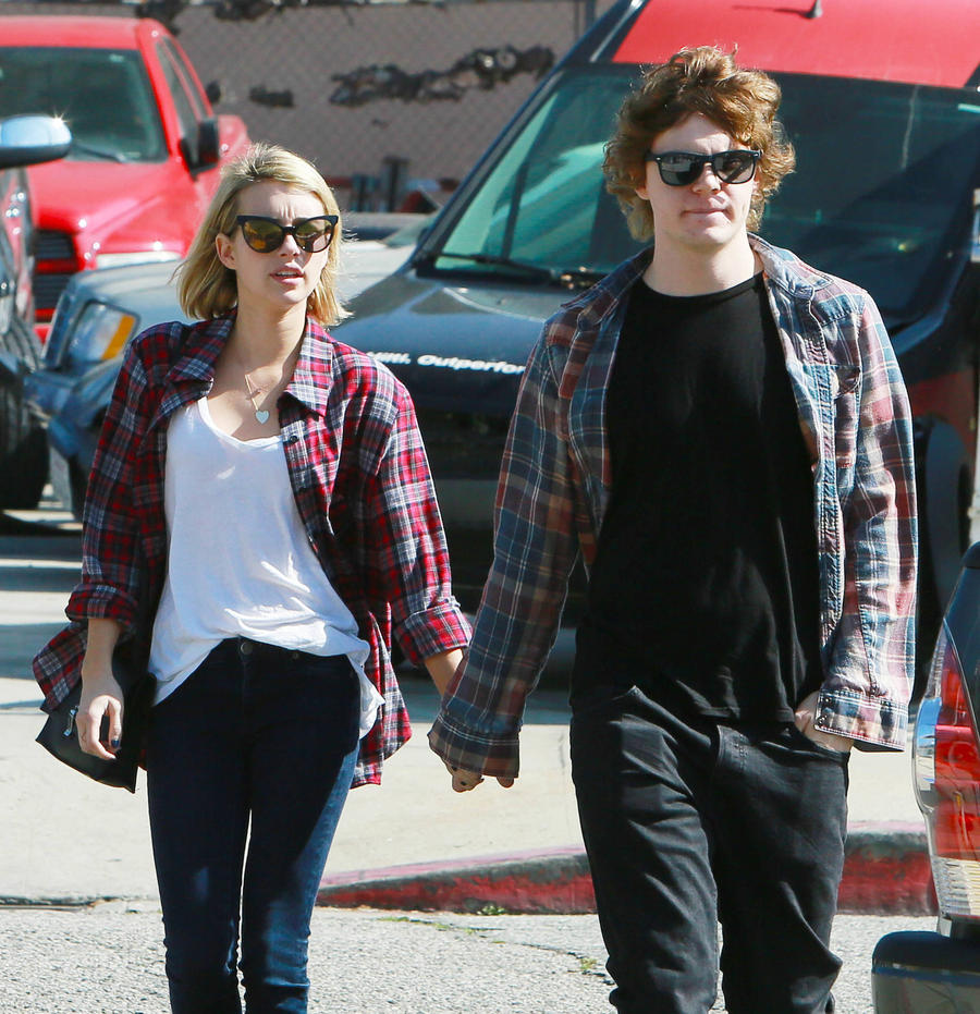 Emma Roberts And Evan Peters Spark Reconciliation Rumours