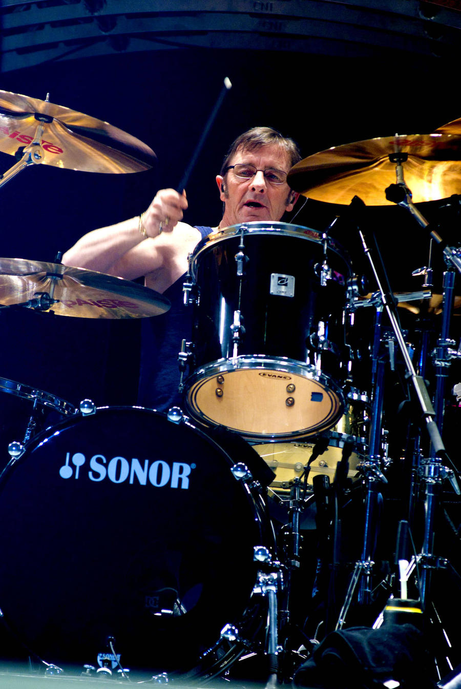 Phil Rudd Planning Comeback After Heart Attack