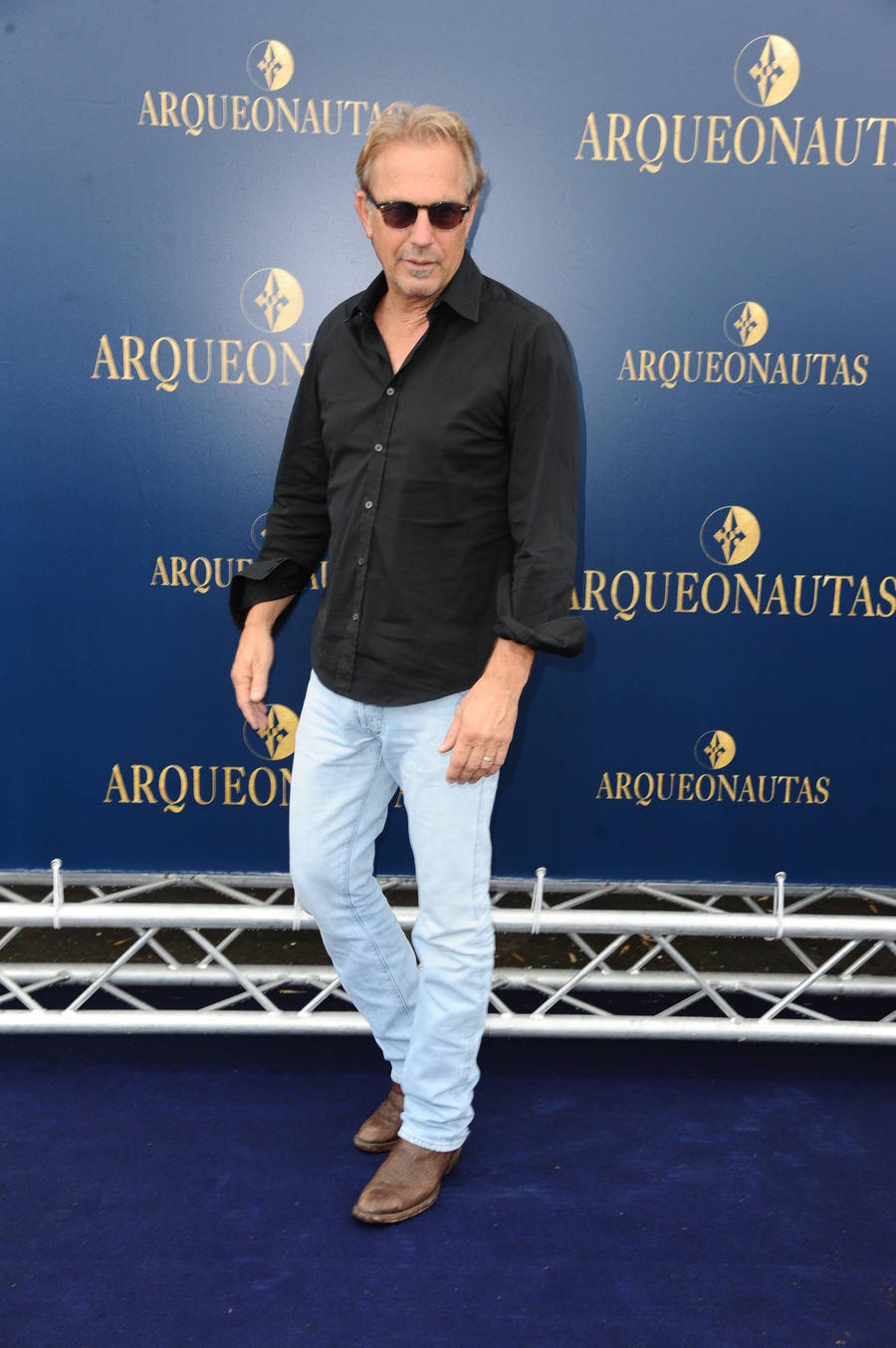 Kevin Costner Clears Up Shark Attack Rumours
