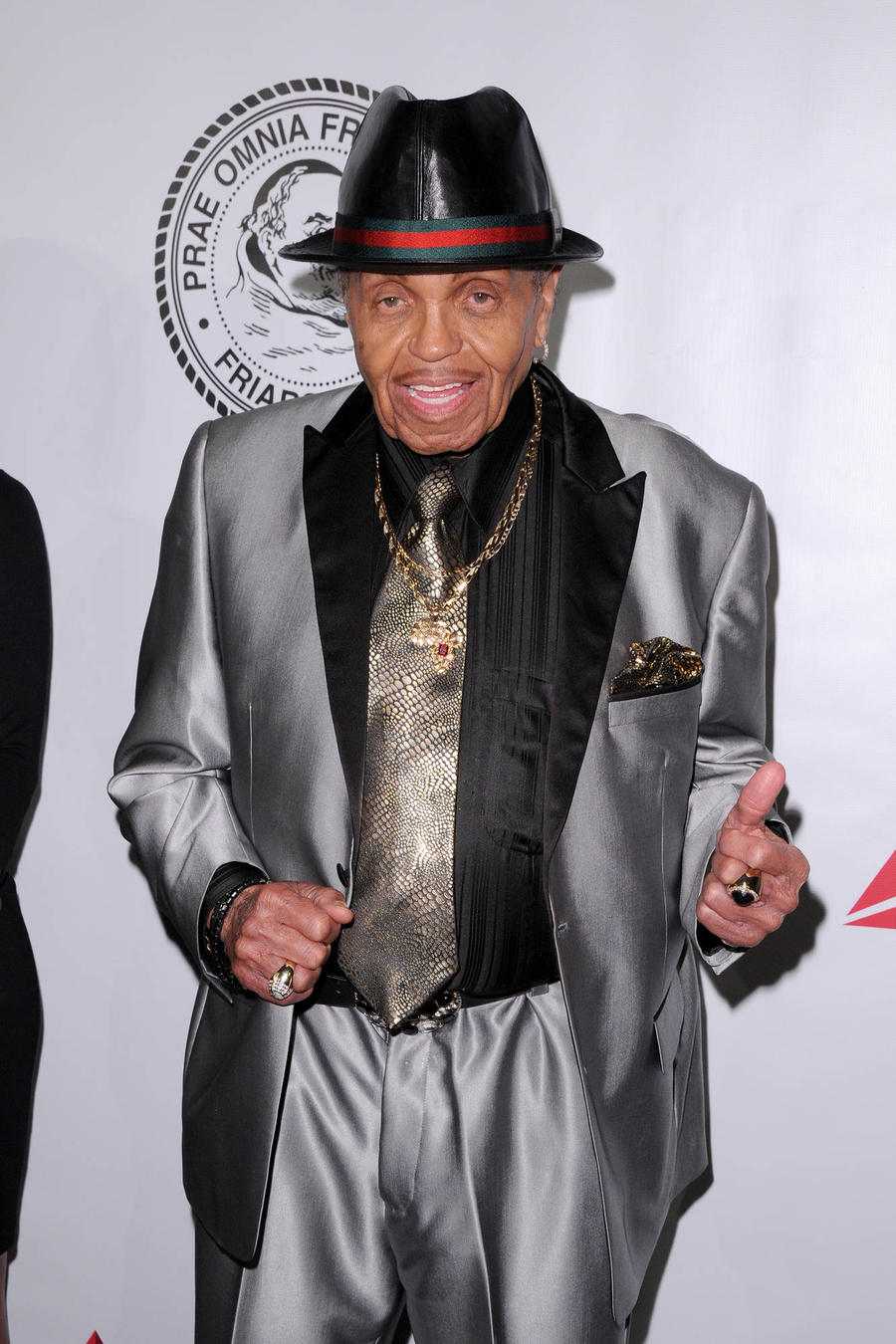 Recovering Joe Jackson Thanks Fans For Well Wishes
