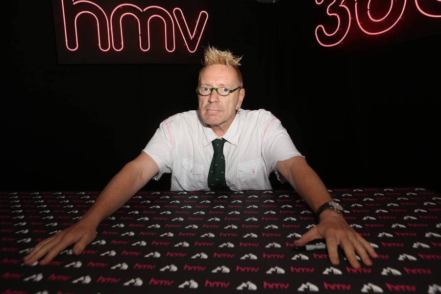Sex Pistols Star Johnny Rotten Trades In Punk Rock For Bingo
