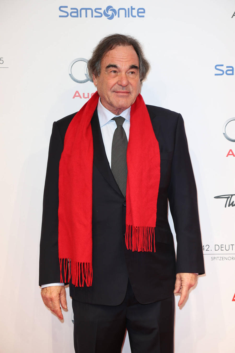 Oliver Stone Attacks Trump & Clinton For Avoiding Major Issues