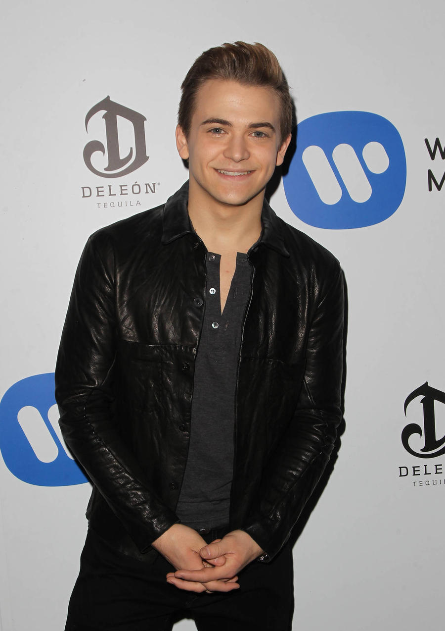 Hunter Hayes Turned To Voice Coach To Help Him With Singing Struggles