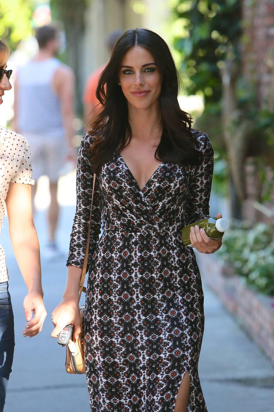 Jessica Lowndes' Relationship With Jon Lovitz Fake - Report
