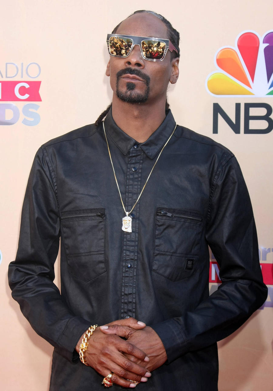 Snoop Dogg Honours Late Rapper Mr. 3-2 After Shooting