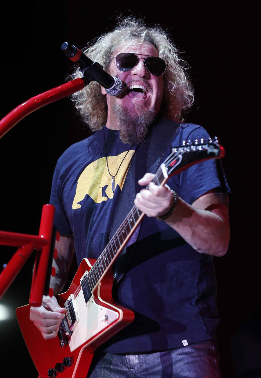 Sammy Hagar Persuaded Adam Levine To Turn His Back On Big Whisky Deal