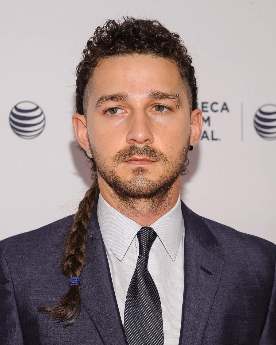 Shia LaBeouf Is Occupying An Oxford Lift For 24 Hours ... Shia Labeouf