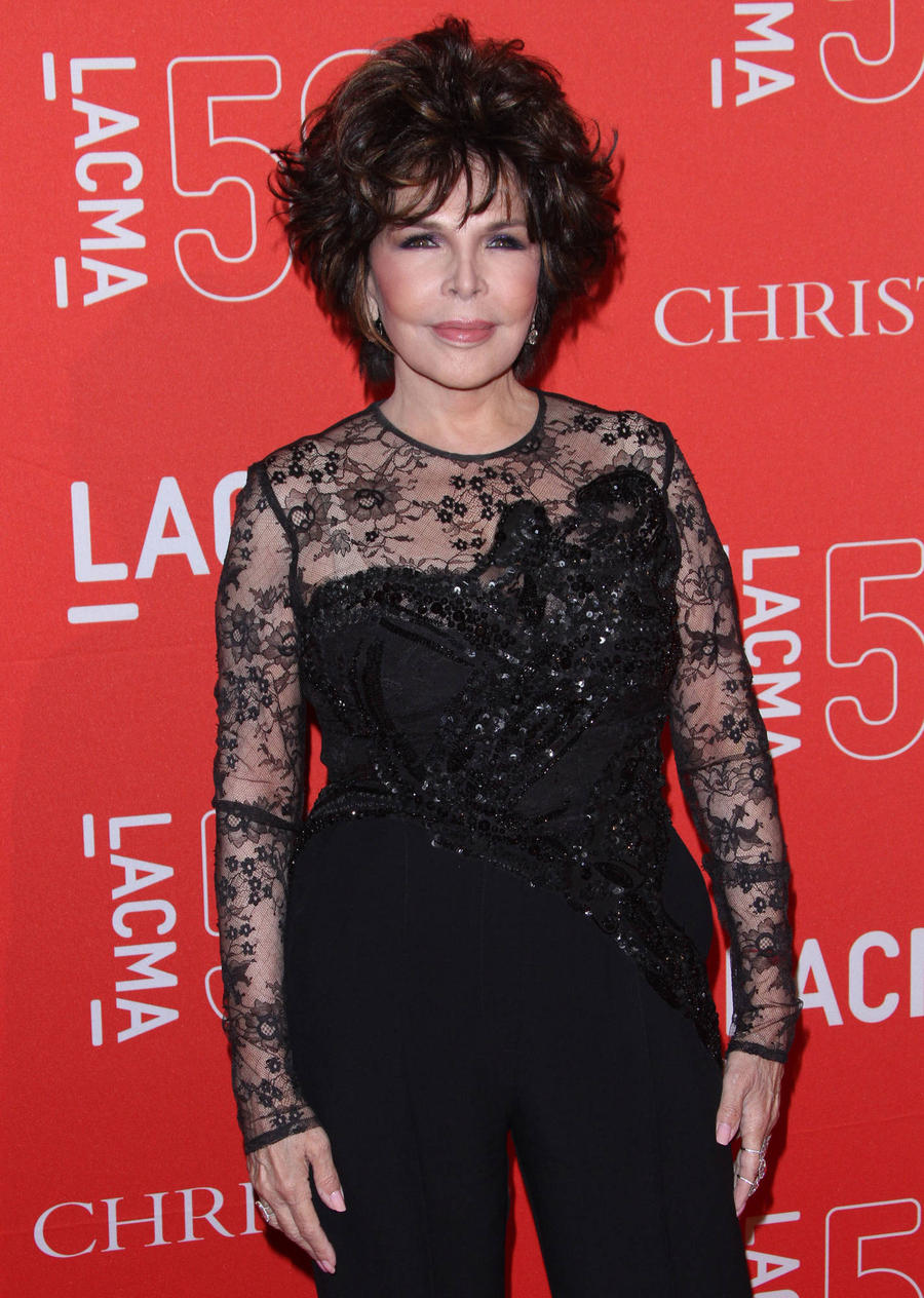 Songwriter Carole Bayer Sager Writing Memoir
