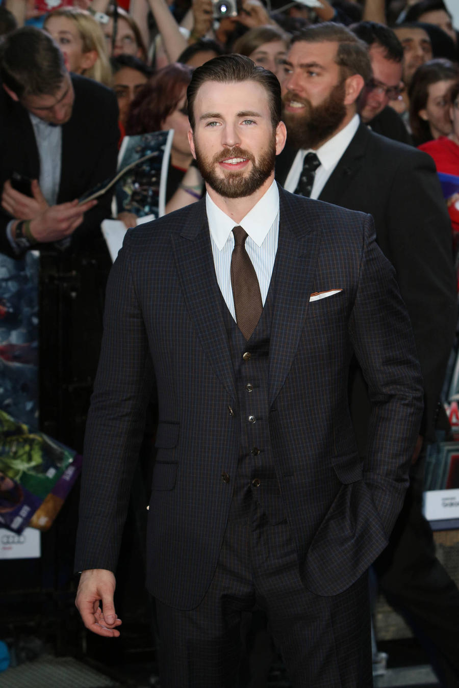 "Captain America's Chris Evans ""Devastated"" As Donald Trump Wins Election"