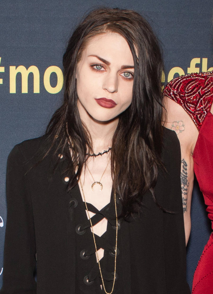 Frances Bean Cobain Disturbs Intruder In Her Home