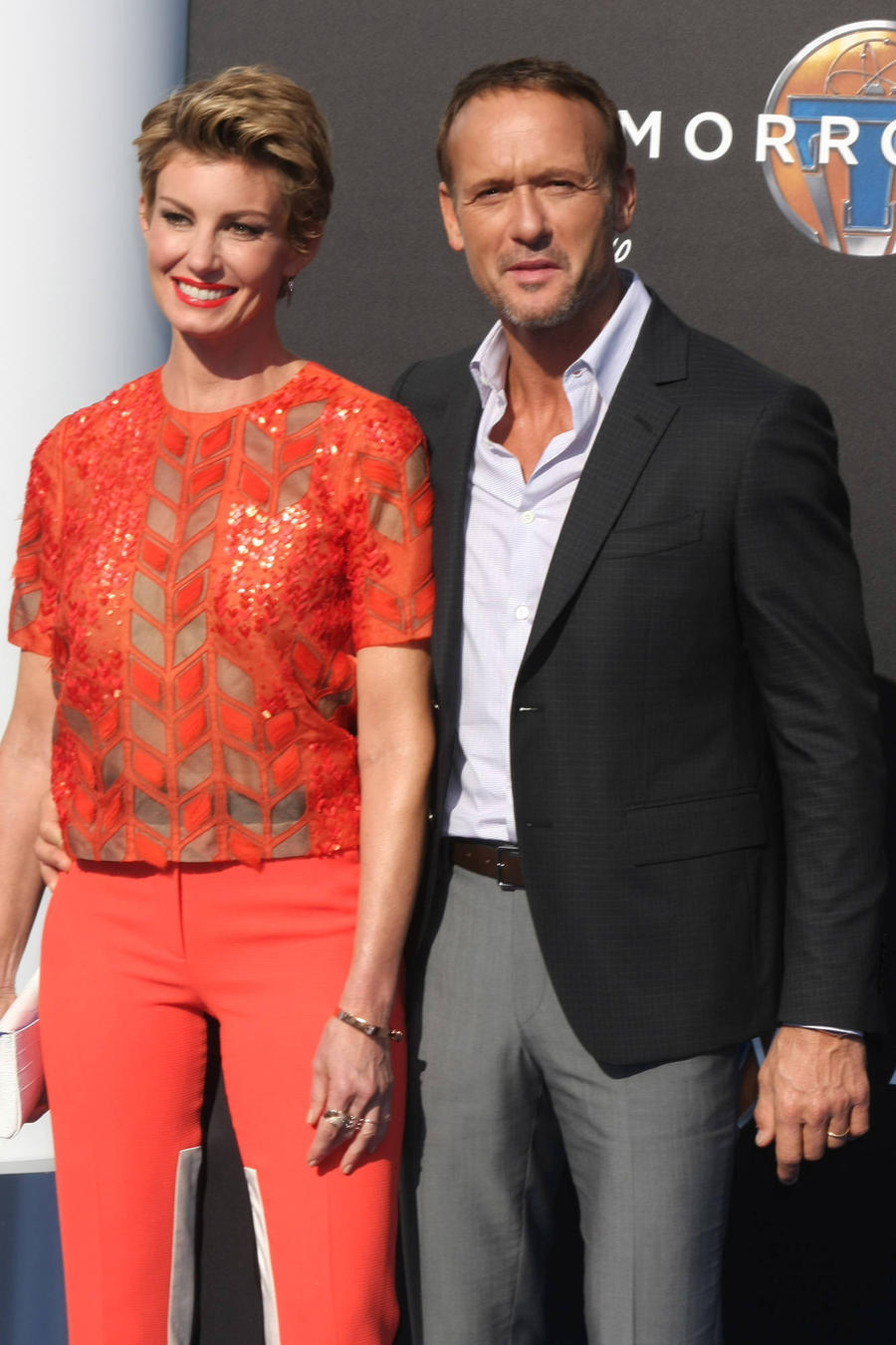 Fans Go Crazy For Tim Mcgraw & Faith Hill Secret Show Tickets