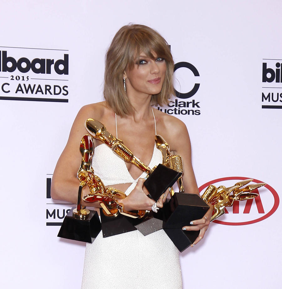 Taylor Swift Leads Iheartradio Music Awards Nominations