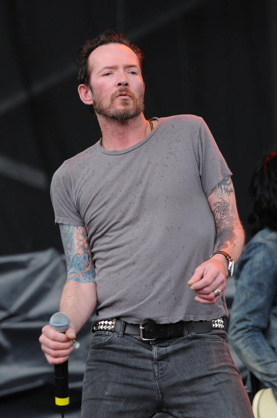 Scott Weiland's Ex-wife In Brush With Police