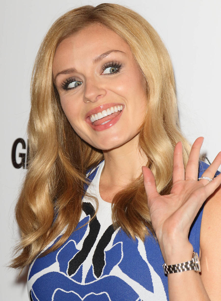 Katherine Jenkins Gives Spies Singing Treat