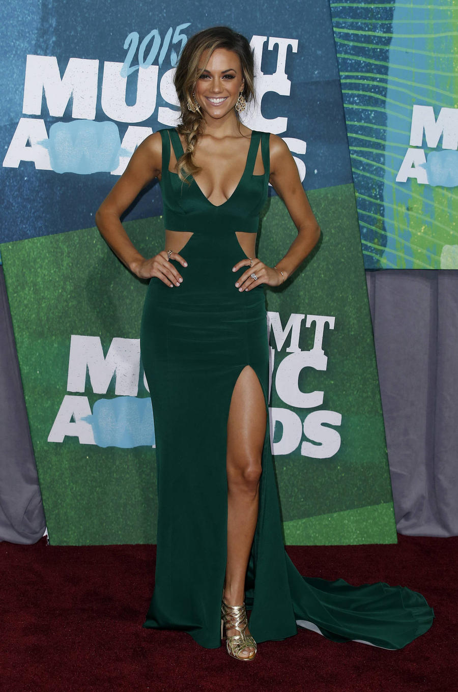 Singer Jana Kramer Starts The Week Off With A New Baby And An Acm Award Nomination