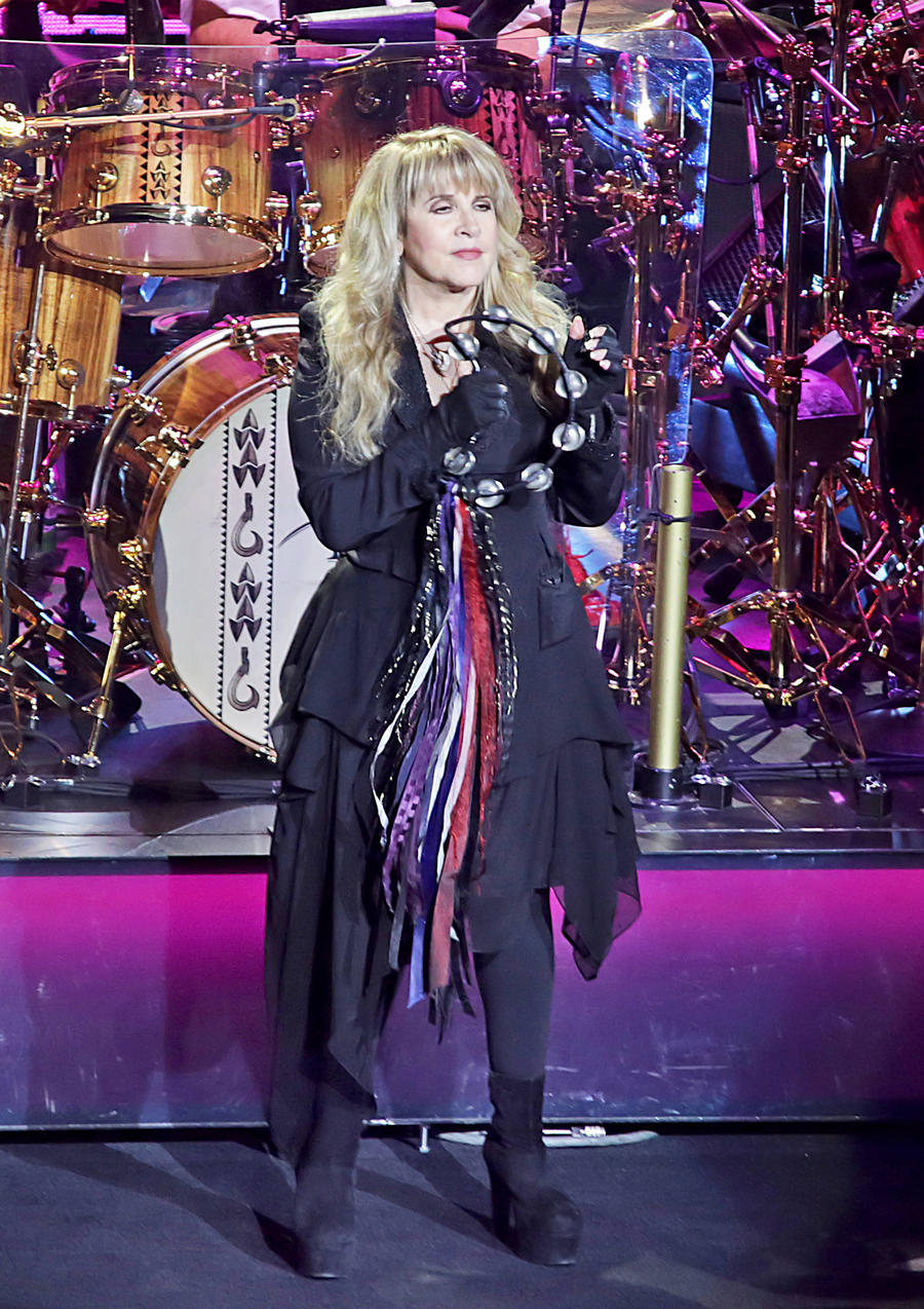 Stevie Nicks Wants To Sing Landslide At Hillary Clinton's Inauguration