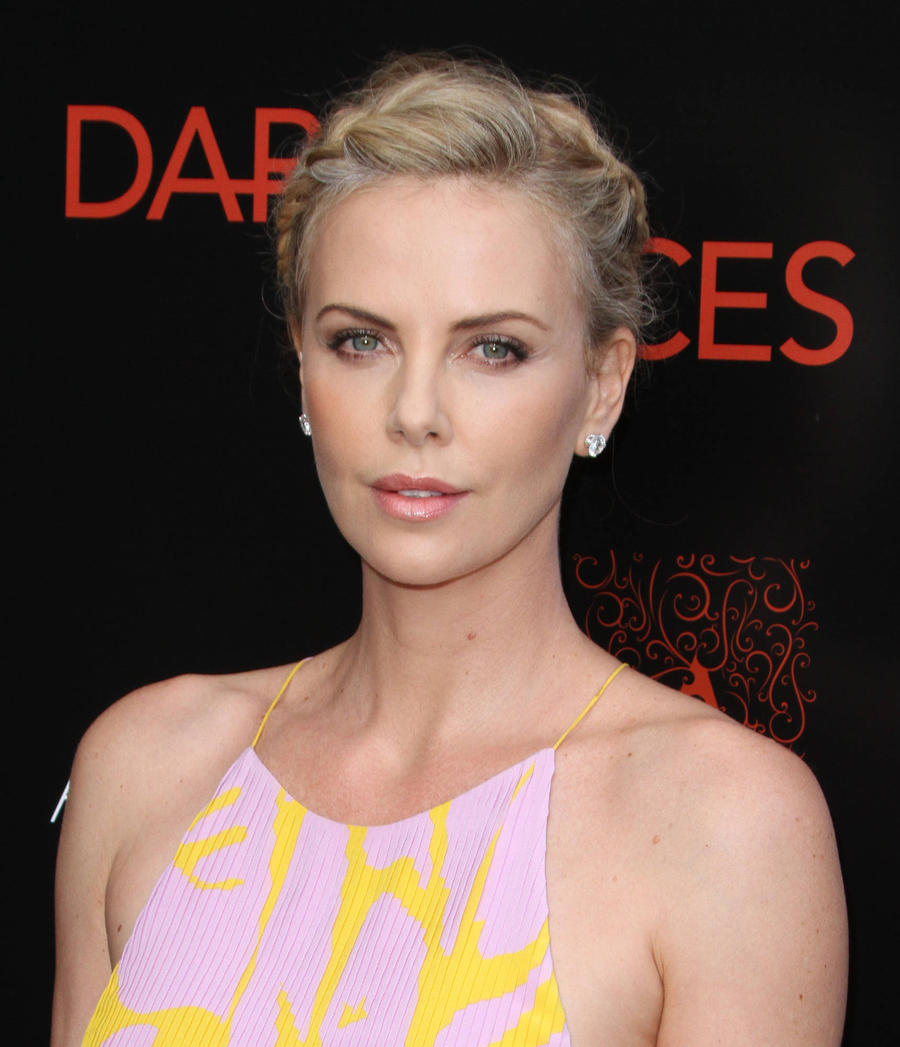 Charlize Theron Gearing Up For Fast 8 - Report