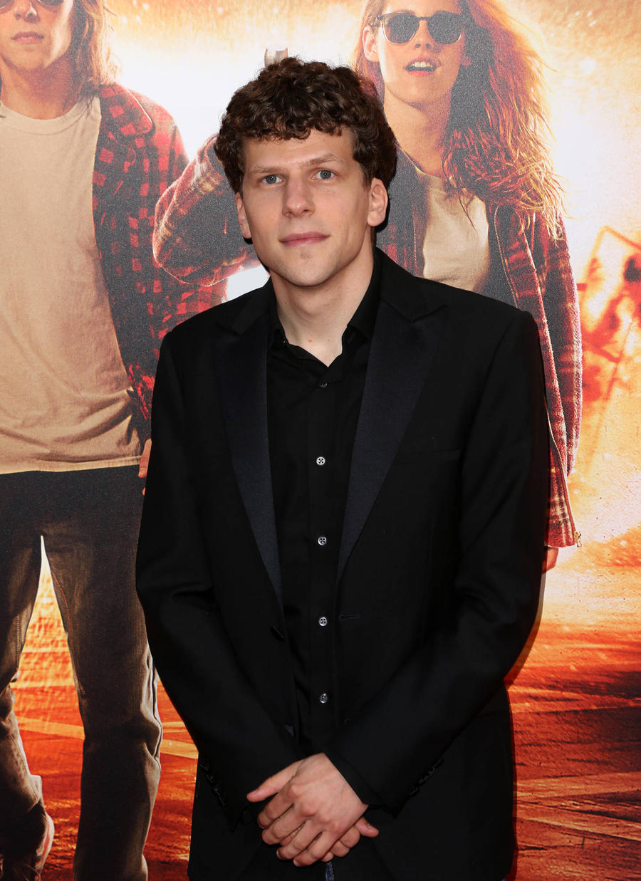 Jesse Eisenberg Hated Head Scarf Disguise On Batman Set