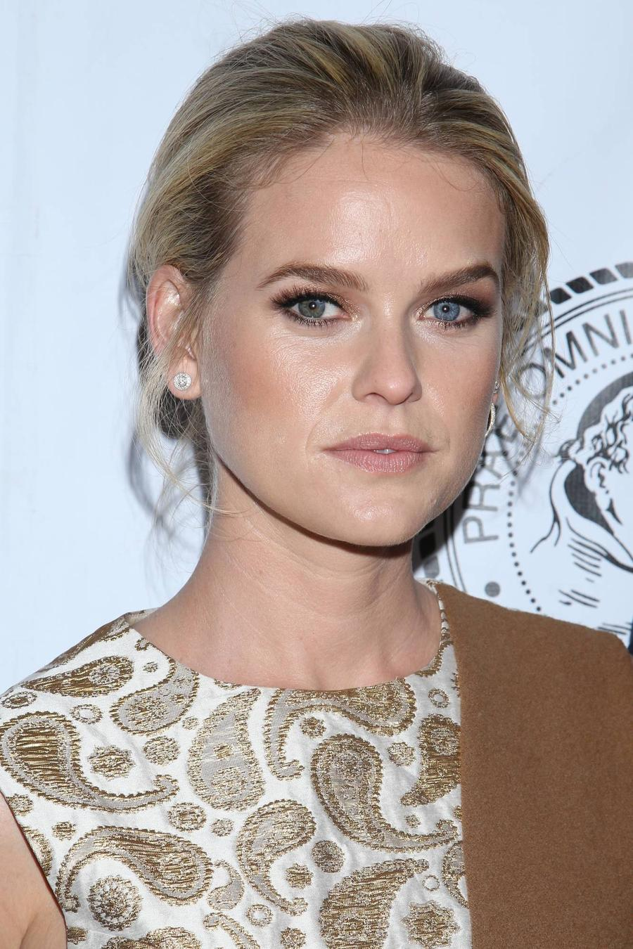 Alice Eve Shaken By Plane Plunge