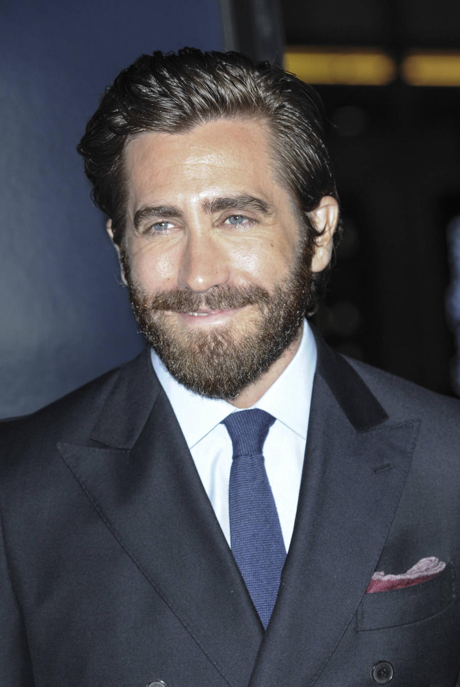 Jake Gyllenhaal Meets Hospital Patients In Surprise Visit