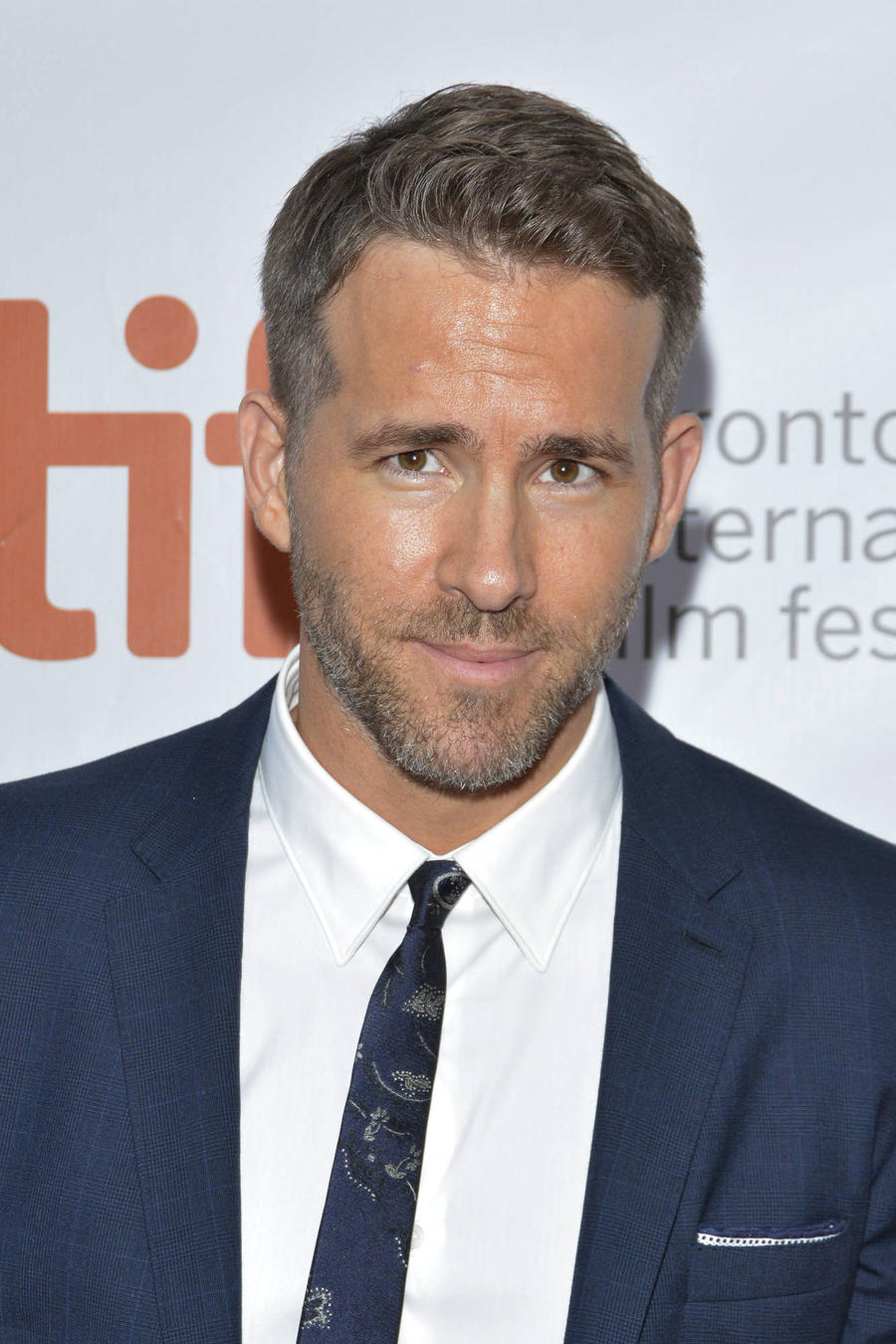 Ryan Reynolds Gifts Fan With Two Tickets To Deadpool Movie Premiere