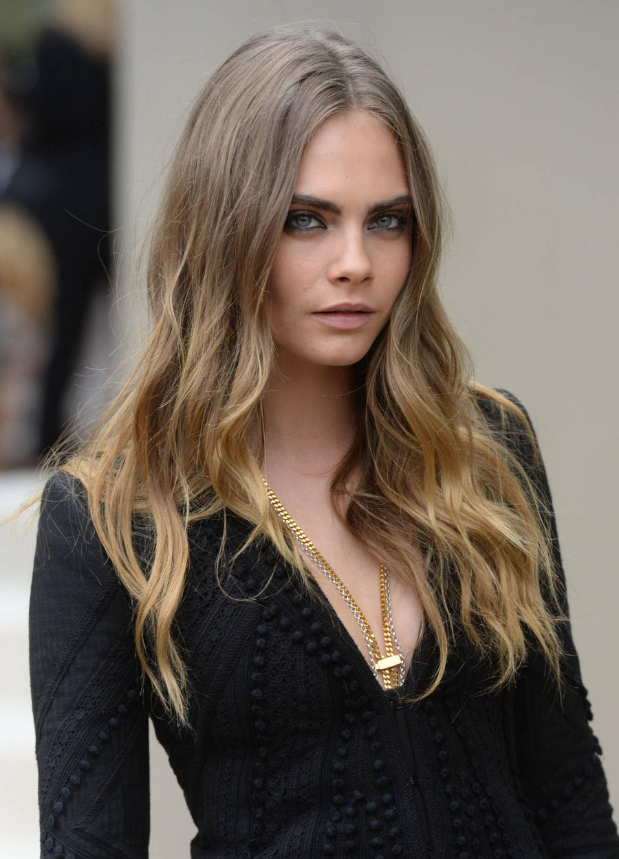 Cara Delevingne Urges Depression Sufferers To Seek Help