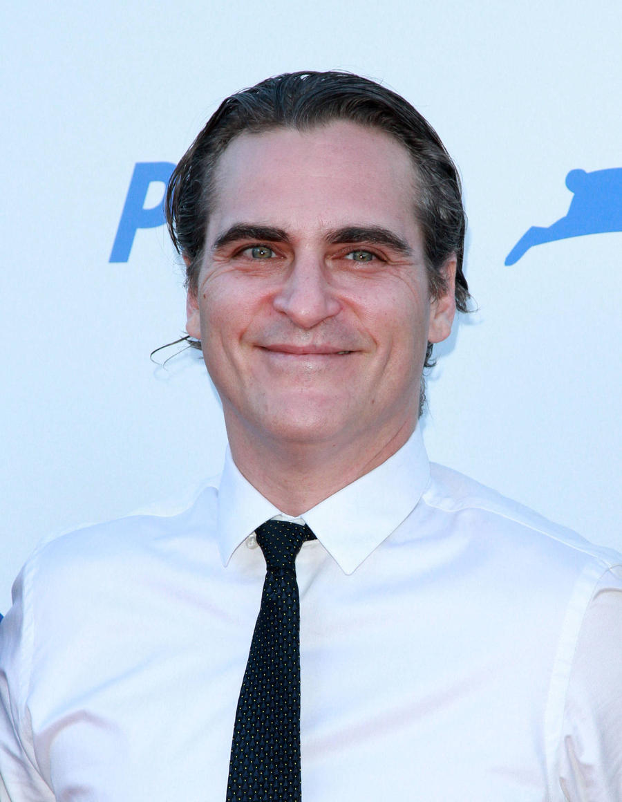 Joaquin Phoenix In Talks To Play Jesus