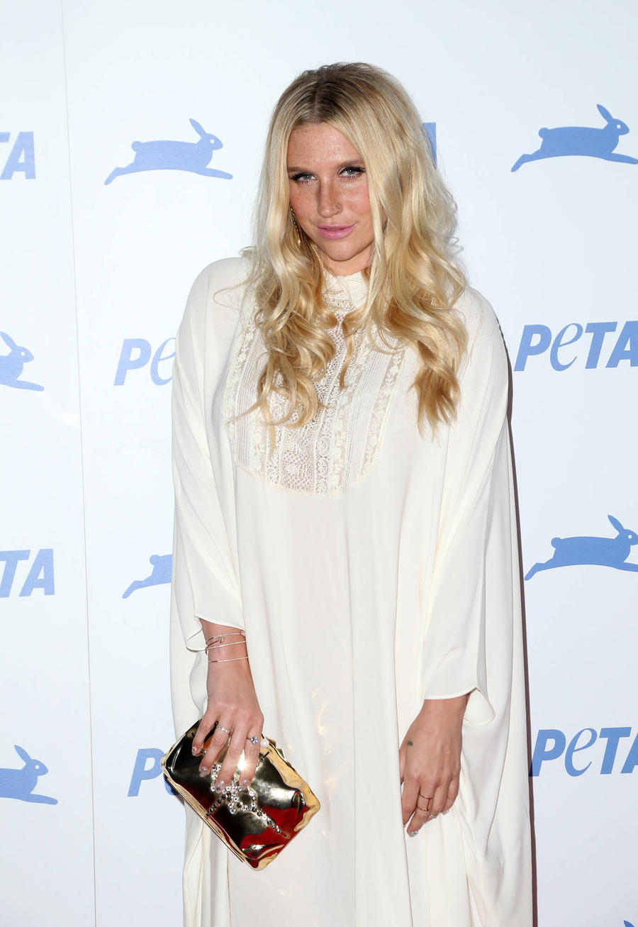 Kesha Loses Voice After Hectic Performance Week