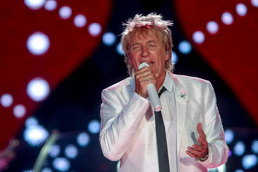 Sick Rod Stewart Cancels Another Two Shows