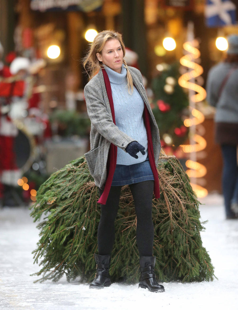 Bridget Jones Trailer Reveals Baby Mystery In New Film