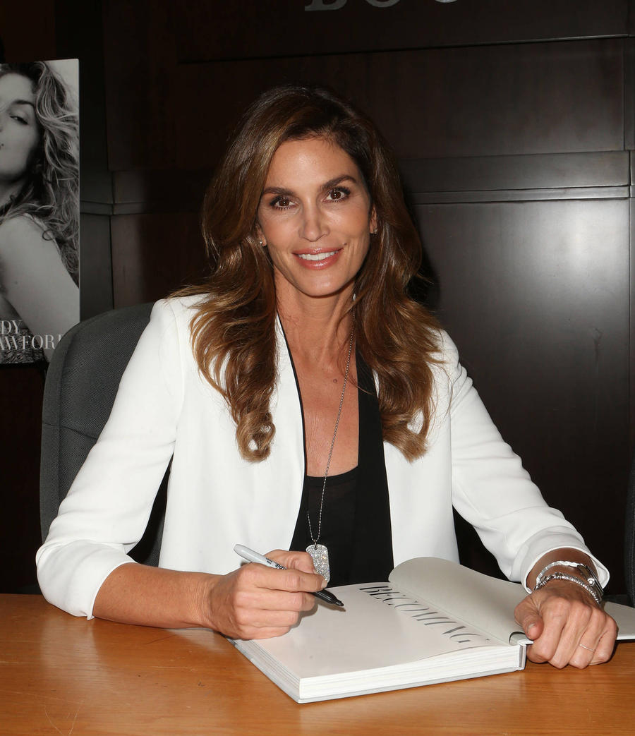 Cindy Crawford: 'I'm Not Retiring'