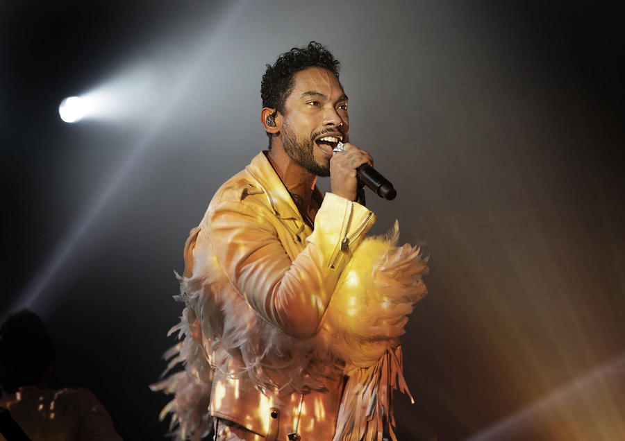 Miguel To Pay Tribute To Michael Jackson At Grammys