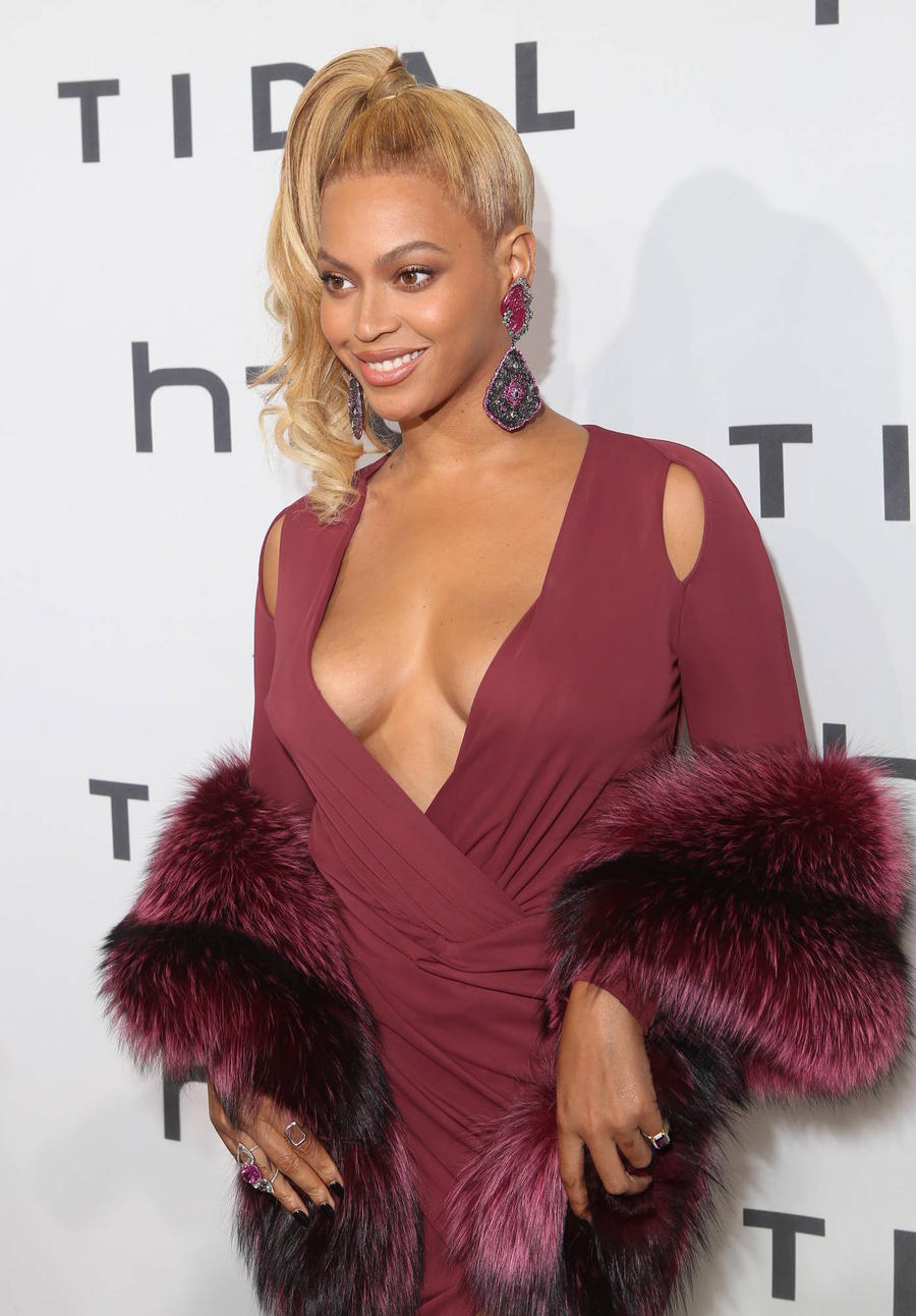 Fans Go Crazy On Twitter After Beyonce Baby News Breaks