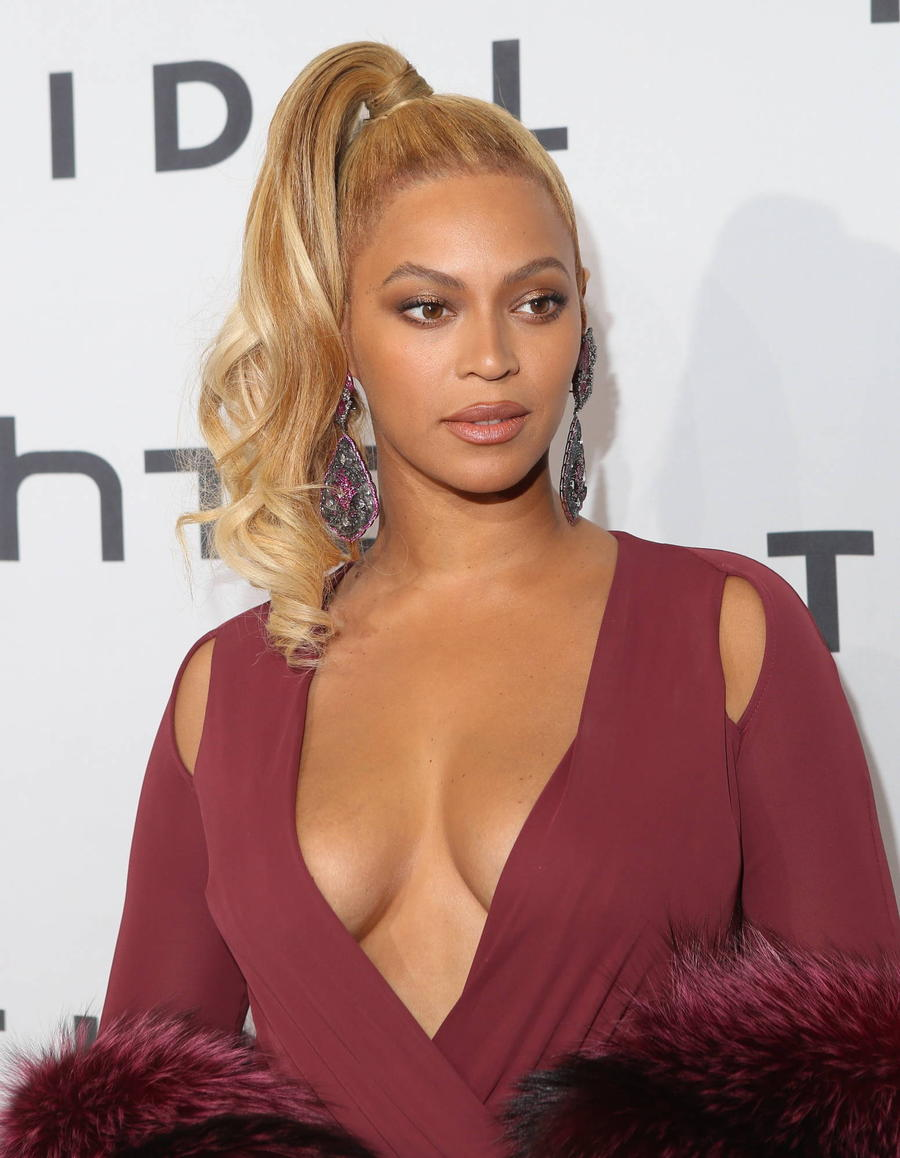 Beyonce Halts Scottish Gig To Honour Police Brutality Victims