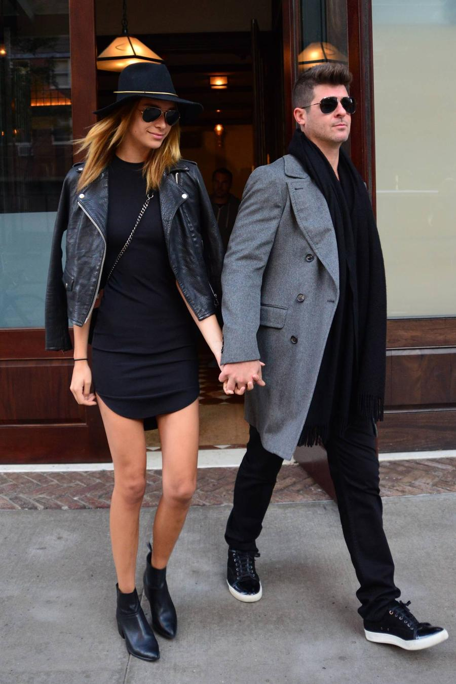 Robin Thicke's Girlfriend Fuels Rumours The Couple Has Wed