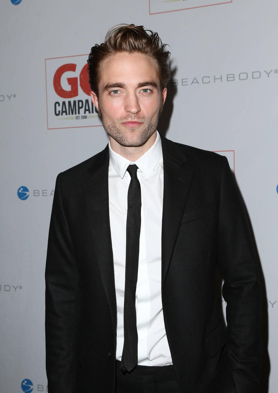 Robert Pattinson Is Crippled By His Lack Of Self Confidence