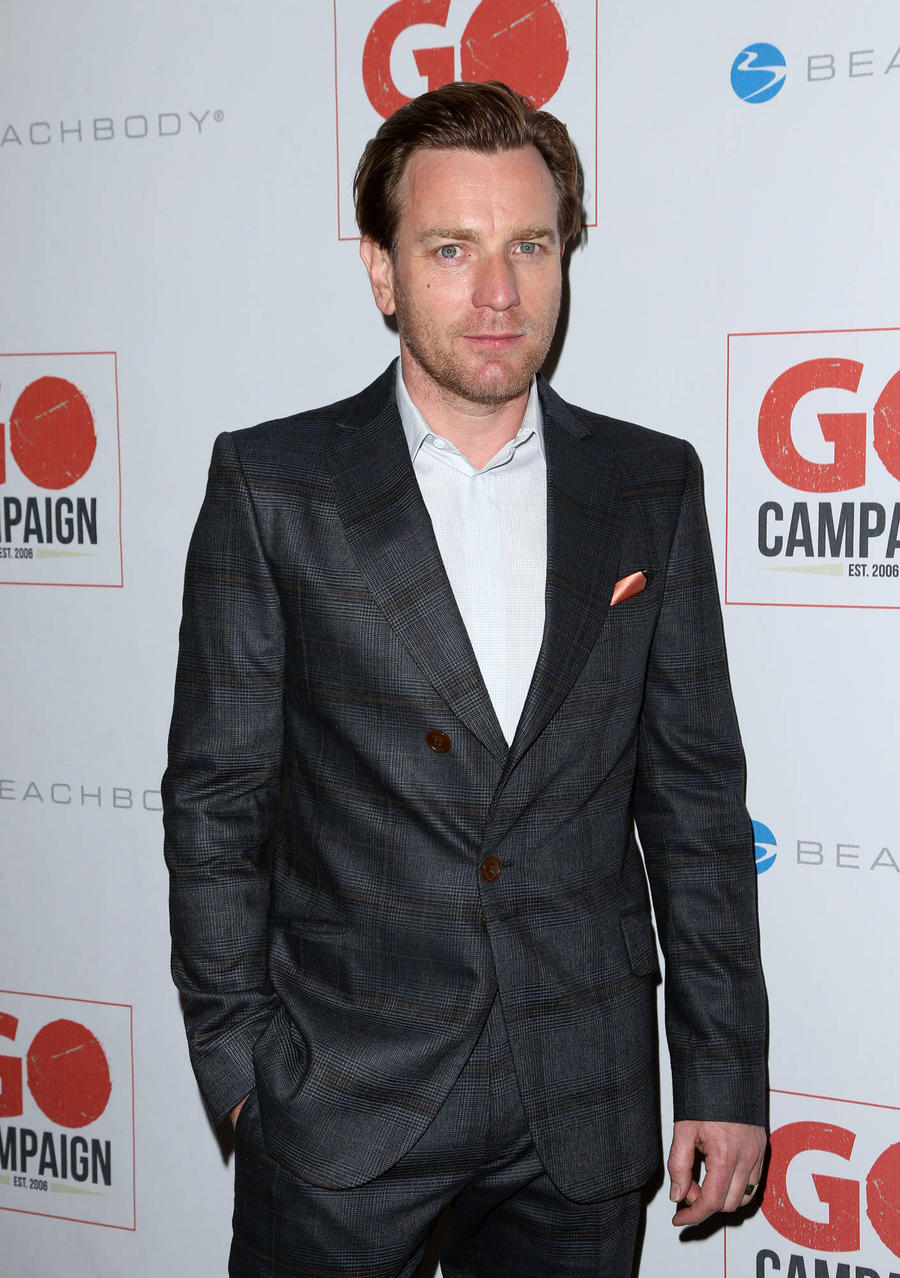 Ewan Mcgregor Visits Refugees In Iraq