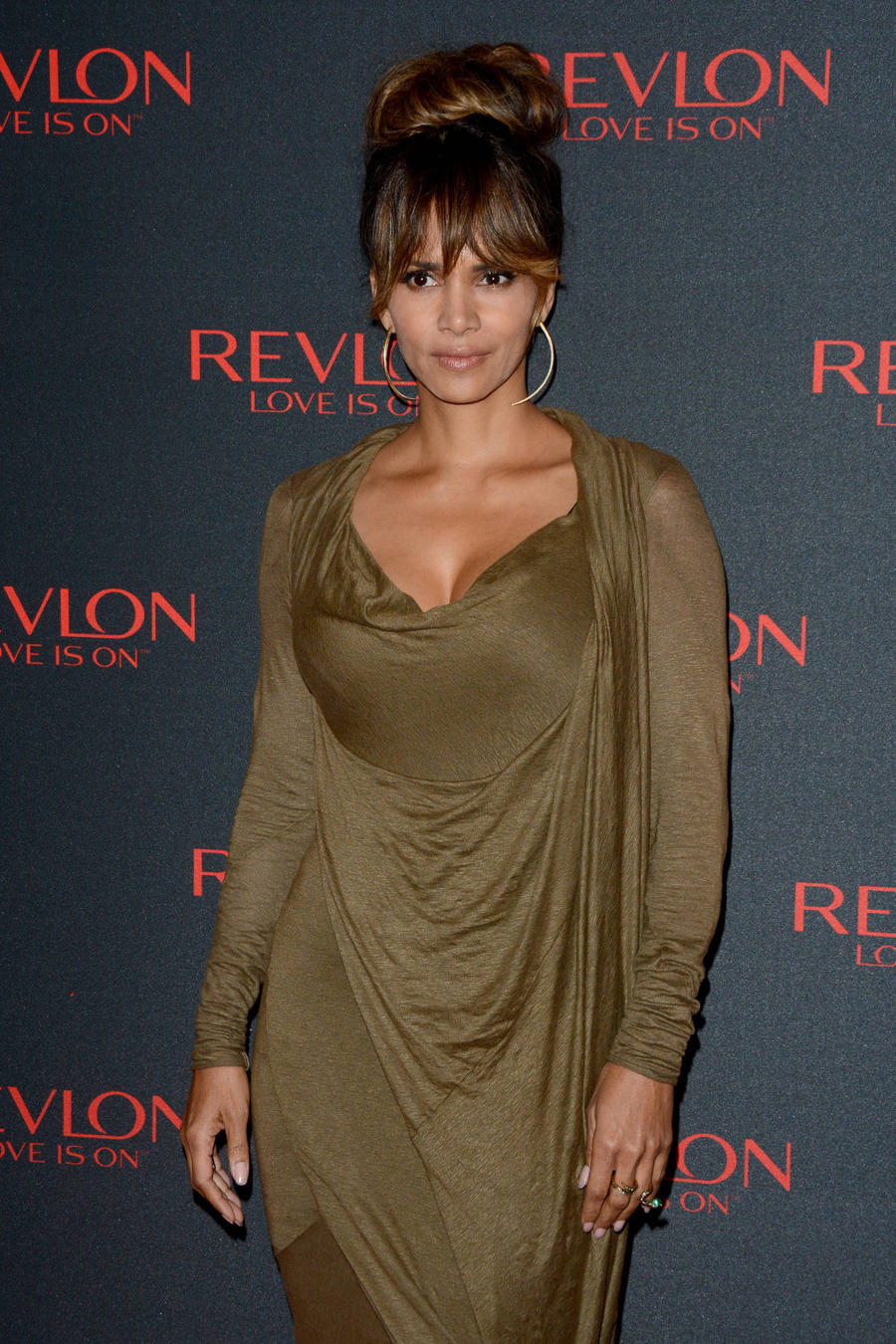 Halle Berry Joins Social Media With Provocative Topless Shot